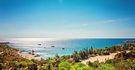 Smukke Konnos Bay
